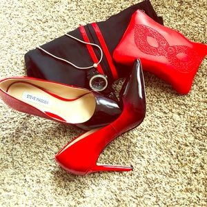 Ombré Red and Black Pumps